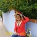أنا سورية من ليبيا 23 سنة عازب(ة) و أبحث عن رجال ل التعارف